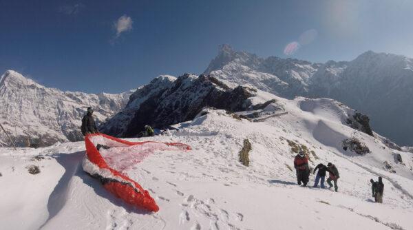 Mardi Himal Gleitschirm-Start von Björn